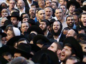 Yarım milyon İsrailli sokağa döküldü