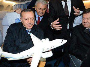 Erdoğan Antonov-158 uçağını inceledi