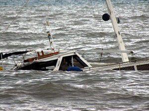 Kaçakların bulunduğu tekne battı: 14 ölü