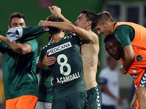 Torku Konyaspor İBByi 2 golle devirdi