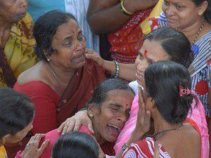 Hindistanda köprüde izdiham: 50 ölü