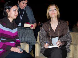 Elif Şafak Konyada hoşgörü toplantısında