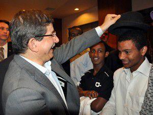 Dışişleri Bakanı Davutoğlu öğrencilerle buluştu
