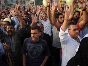 Darbe karşıtları 2 milyondan fazla imza topladı