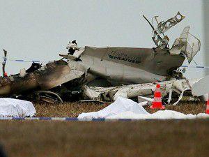 Paraşütçüleri taşıyan uçak düştü 11 ölü