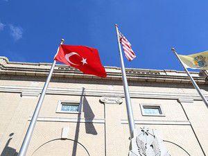 ABDde belediye binasında Türk bayrağı dalgalandı