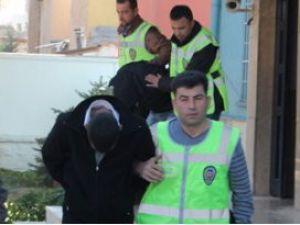 Konyada televizyon çalan hırsızlar yakalandı