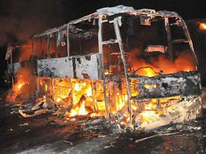 Hindistanda otobüs yandı: 40 ölü