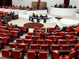 AK Partili 4 vekil Genel Kurula başörtülü girdi