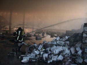 Konyada fabrika yangını