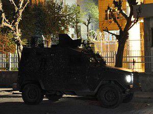 Silopi Kaymakamlığına el bombalı saldırı