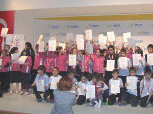M.Özdemirde İngilizce Dil sınavı sertifikaları sahiplerini buldu