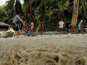 Filipinlerde tayfun alarmı