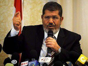 Mursiyi savunma için ikna etmeye çalışacaklar