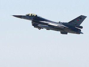 Türk F-16ları Rus uçağını izledi