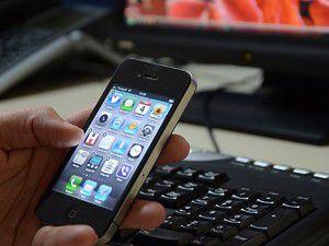 Akıllı telefonlar miyop hastalığını tetikliyor