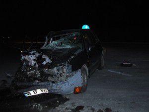 Konyada kamyonetle otomobil çarpıştı: 4 yaralı