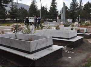 Akşehirde şehit mezarlarına restorasyon