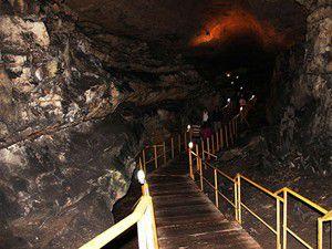 Tınaztepe Mağarası 30 bin turiste kucak açtı