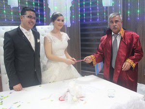 Ezgi ve Mehmet dünya evine girdi