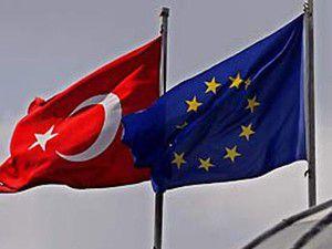 Türk vatandaşlara vizesiz AB yolu açıldı
