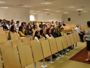 Yurtta kalan üniversite öğrencisi istediği kursa ücretsiz gidecek