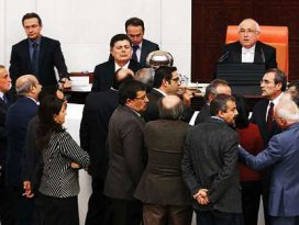 Meclisteki kriz sigara önerisi ile çözüldü