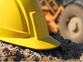 Konyada iş makinesiyle kamyon arasında sıkışan işçi öldü