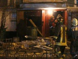 Bomba yüklü araç patladı: 2 ölü