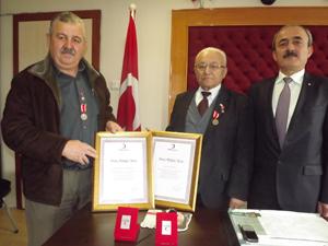 Kızılay Onursal Başkanı Tatlıya bronz madalya