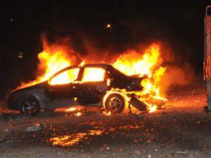 Morali bozuldu diyerek arabasını yaktı