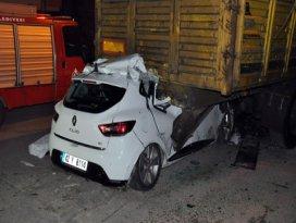 Konyada otomobil tıra çarptı: 1 ölü