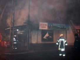 Konyada markette yangın çıktı
