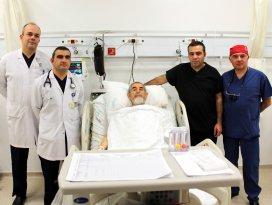 Kalbi çalışırken 5 damarına by-pass yapıldı