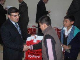 Beyşehirde 356 öğrenciye giyim yardımı