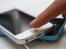iPhone 6yı bekleyenlere kötü haber!