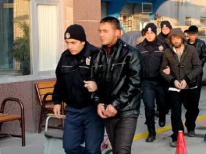 Uyuşturucu baskınında 64 kişi adliyeye sevk edildi