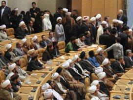 Tahranda İslami Birlikle ilgili büyük konferans