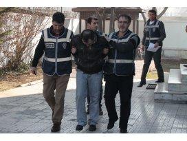 Maskeli banka soyguncuları yakalandı
