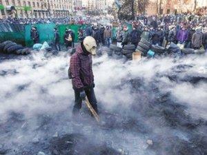 Gösteriler Kievi aştı