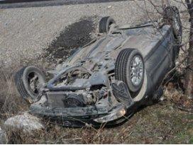 Konyada iki otomobil çarpıştı 2 yaralı