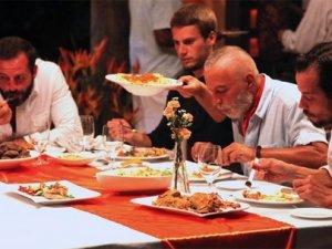 Bir oturuşta 6,5 kilo et yiyen ünlü kim?