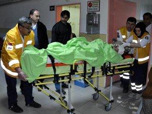 Ayaklarını yem makinesine kaptıran işçi ağır yaralandı