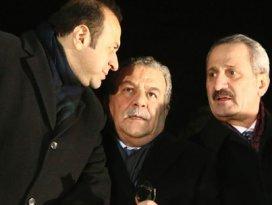 4 eski Bakanın fezlekesi iade edildi