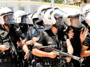 40 bin polisin başını yaktılar