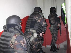 Örgüt liderine baskın; 20 gözaltı