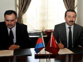 Selçuk, Azerbaycan ile eğitim köprüsü kuruyor