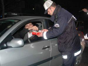 2010 yılında polisler hep böyle olsun!