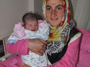 Yeni yılın ilk bebeği Feride
