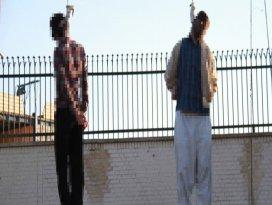 Halkın gözü önünde idam edildiler